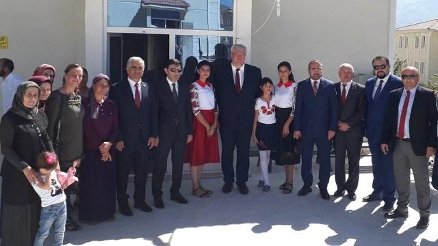 Büyükelçi Sybiha'dan Ahıska Türkleri'ne ziyaret ile ilgili görsel sonucu